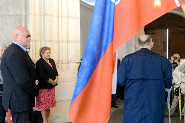 Predseda Matice slovenskej Marián Tkáč (vľavo) nedávno oslavoval Deň ústavy na Bratislavskom hrade.