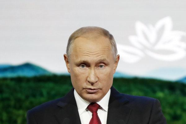Ruský prezident Vladimir Putin na plenárnom stretnutí Východného ekonomického fóra vo Vladivostoku.