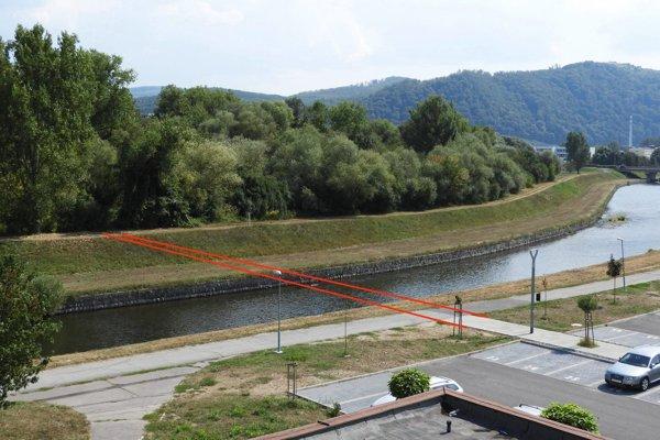 V mieste bývalej večierky na sídlisku by mal mať most ponad Hron začiatok.