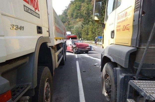 Felicia sa zrazila s dvoma kamiónmi.