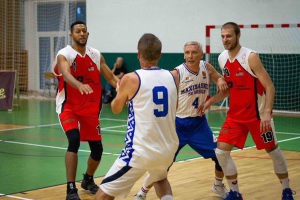 Bývalí hráči aj súčasní extraligisti predviedli v Žiline skvelé basketbalové divadlo.