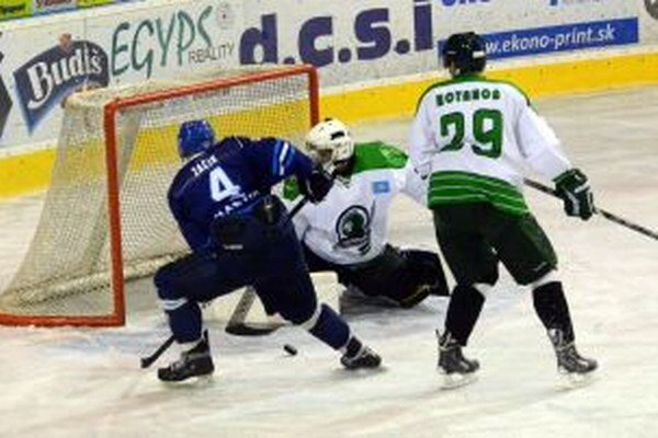 V súboji s kažašským tímom dostali šancu viacej mladí hráči.