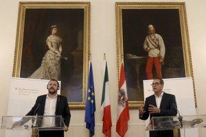 Taliansky minister vnútra Matteo Salvini a rakúsky vicekancelár Heinz-Christian Strache.