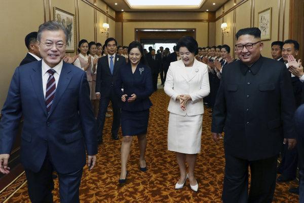 Juhokórejský prezident Mun Če-in a vodca KĽDR Kim Čong-un.
