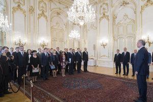Prezident Andrej Kiska sa prihovára novým profesorom.