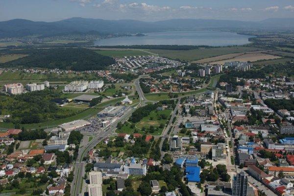 Časť peňazí z pamätníka olympionikov v Michalovciach pôjde na pomoc ľuďom v núdzi.
