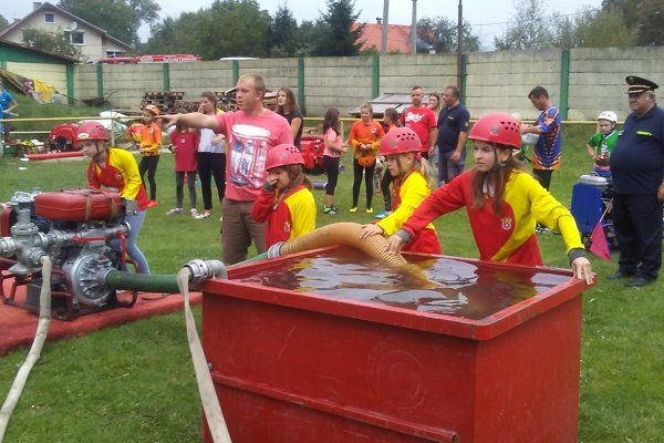 Z hasičskej súťaže.