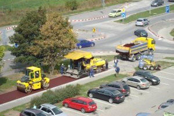 Na trase, ktorá spojí Sever s Košútmi v Martine, sa v týchto dňoch finišuje.