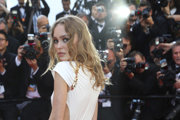 Lily-Rose Depp. Modelka aj herečka, v San Sebastiane má film s veľkou úlohou.