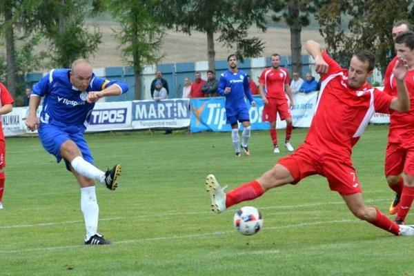 Skóre prestížneho zápasu v Žabokrekoch otvoril Ivan Hulej.