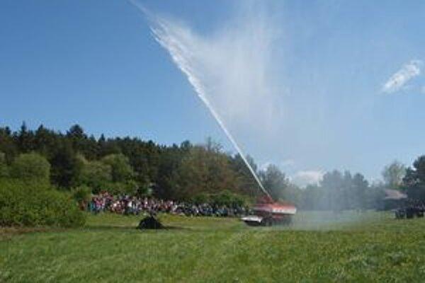 Tank s vodou sa na Hasičskej nedeli predviedol prvýkrát.