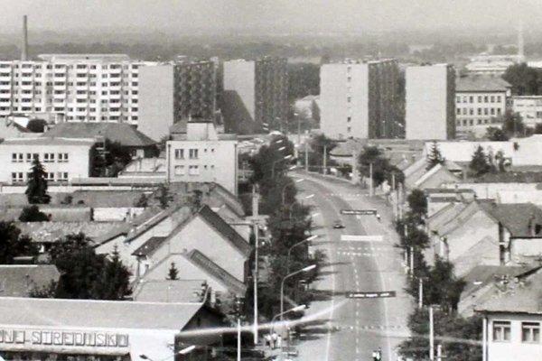 Stred mesta Želiezovce v 80. rokoch.