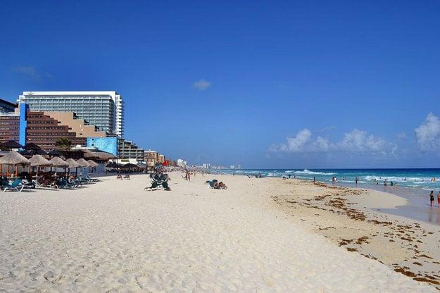 Pláž Cancún.