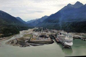 V prístave Skagway na Aljaške.