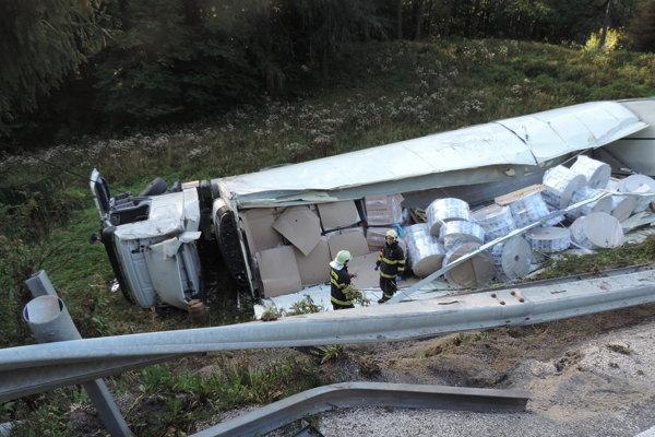 Nehoda skončila našťastie bez zranení.