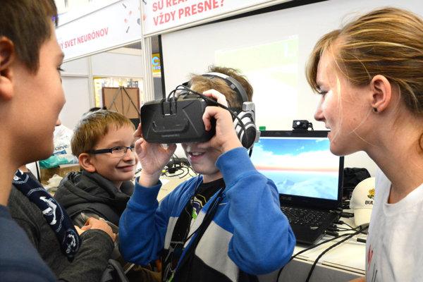 Pomocou virtuálnej reality môžu zvedavci merať presnosť reakcií svojho mozgu.