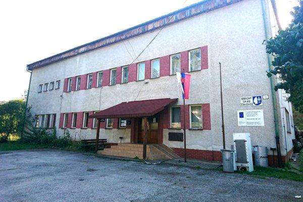 Budovu obecného úradu s kultúrnym domom zrekonštruujú.