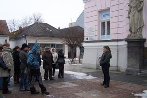 V dnešnom sídle Slovenskej sporiteľne podpísali v roku 1918 Martinskú deklaráciu. Hovorí o tom Viera Valková.