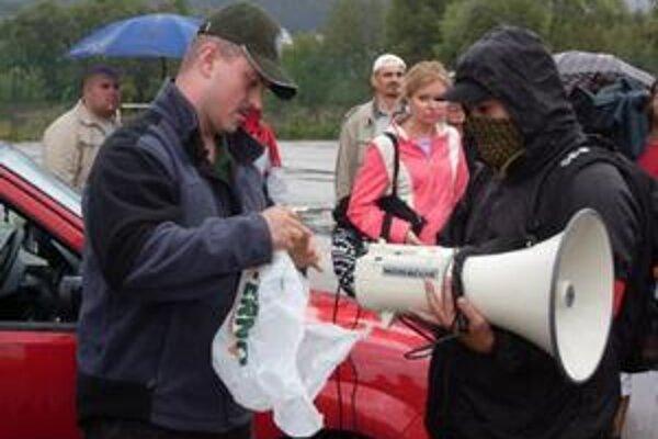 Marián Kotleba počas minuloročného mítingu v Turzovke na Kysuciach.