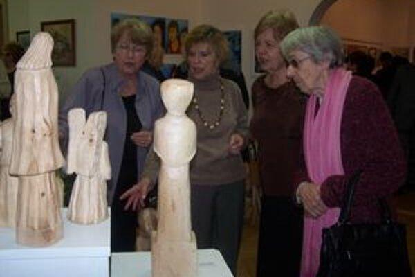 Výstavy turčianskych výtvarníkov verejnosť hojne navštevuje.