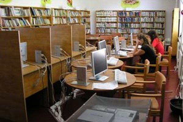 Internet je už bežnou súčasťou knižníc. Napríklad aj v Turčianskych Tepliciach.