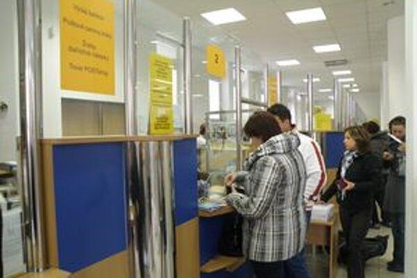 Hlavné pošty v Turci sú kolkami dobre zásobené.