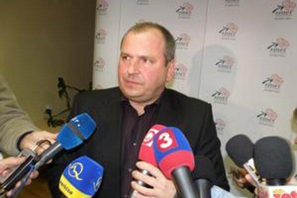 Igor Choma oznámil volebné víťazstvo.