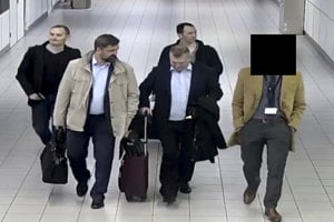 O štyroch ruských agentoch v Holandsku sa nedá povedať, že by sa schovávali.