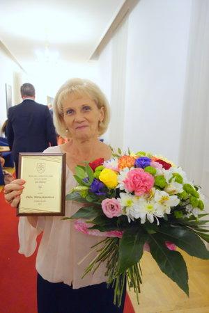 Mária Koreňová po prevzatí ocenenia.