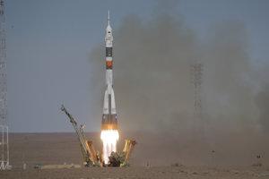 Štart lode Sojuz MS-10.