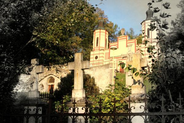 Cintorín na Bardejovskej Kalvárii. (FOTO: MARIO HUDÁK)