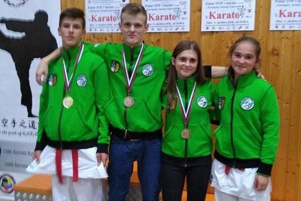 Zľava: Karol Kožák, Adrián Tvrdý, Nikola Buchtíková a Vanesa Buchtíková.