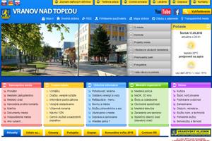 Navonok sa na seba webstránky Vranova a Humenného ponášajú, obsahom sú však podľa hodnotenia TIS úplne iné.