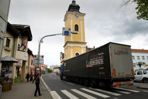 Nehoda sa stala v januári na štátnej ceste, ktorá prechádza Krupinou.