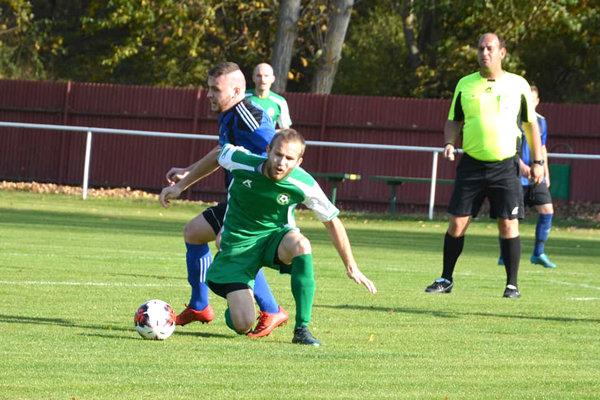 Futbalistom Nového Tekova sa podarilo doma proti Turovciam naplno bodovať.