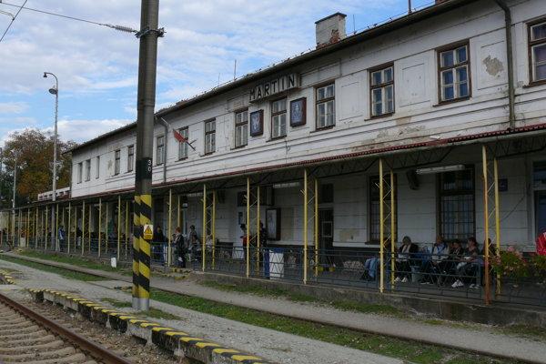Po dlhých rokoch rôznych výziev a požiadaviek sa konečne začne s rekonštrukciou martinskej železničnej stanice. Čaká sa už len na stavebné povolenie.