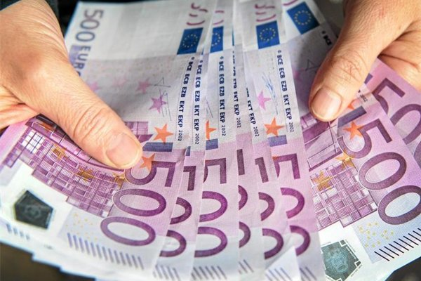 Dôchodkyňa prišla o 10-tisíc euro.