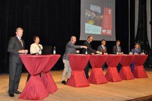 Komunálne voľby 2018: Diskusia kandidátov na primárora mesta Dolný Kubín.