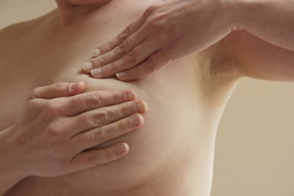 Medici budú ženám vysvetľovať, ako si aj samé môžu vyšetriť prsník.