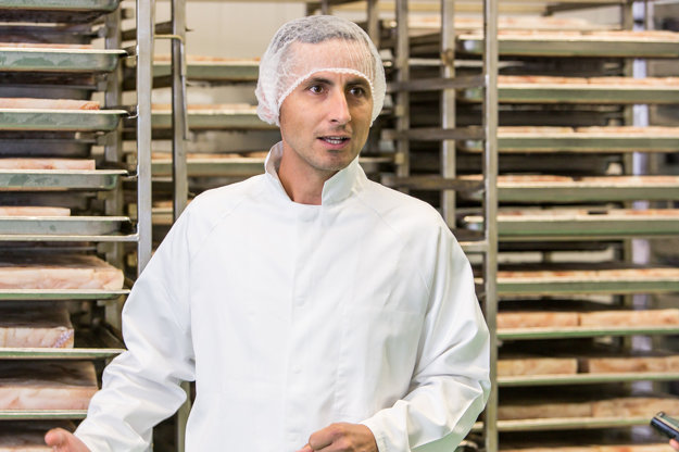 Generálny riaditeľ Ryba Žilina nás previedol výrobou tresky v majonéze.