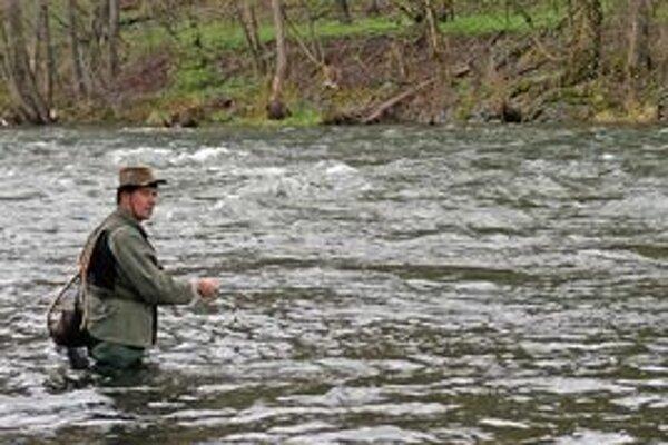 Rybárska sezóna pstruhov sa začína v sobotu.