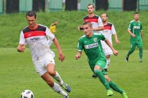 Michal Kraľovič (v zelenom) sa pokúsi vyrovnať vzájomnú tohtosezónnu bilanciu s bratom Slavomírom na 1:1.
