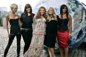 Spice Girsl, keď mali posledné turné, teda v roku 2007. Zľava:  Victoria Beckham, Melanie Chisholm, Geri Halliwell, Emma Bunton a Melanie Brown.