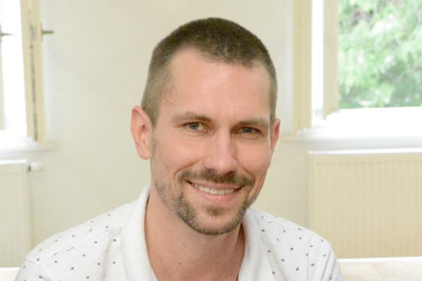 Šéfredaktor Jaroslav Vrábeľ.