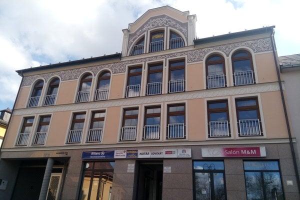 Kanceláriu FRANEK s.r.o. nájdete na 1. poschodí v budove notárskeho úradu na pešej zóne pod políciou v Čadci.