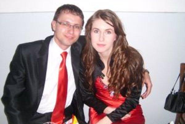 Najlepší hráč Martin Prostinák s priateľkou.