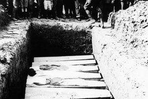 Pohreb vojakov.