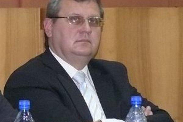 Milan Novák žiada o uvoľnenie z funkcie prednostu mestského úradu.