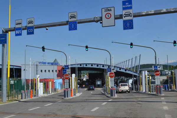 Cestný hraničný priechod Vyšné Nemecké - Užhorod.