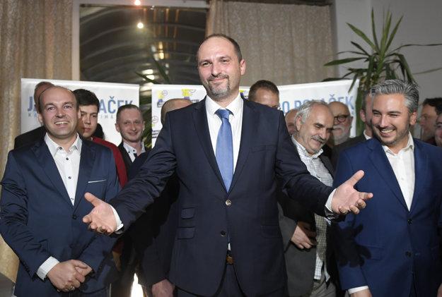 Novým primátorom Košíc sa stal kandidát opozície Jaroslav Polaček.
